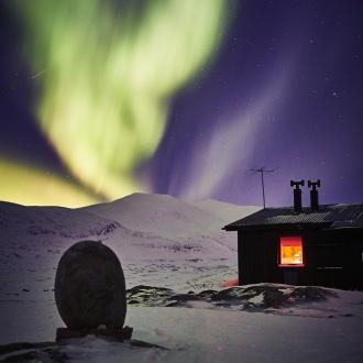 Alesjaurestugorna aurora