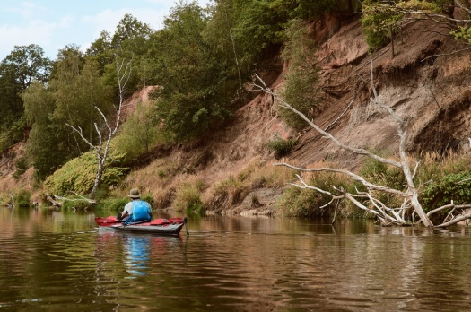 Paddling on the Mulde a natural riverbank