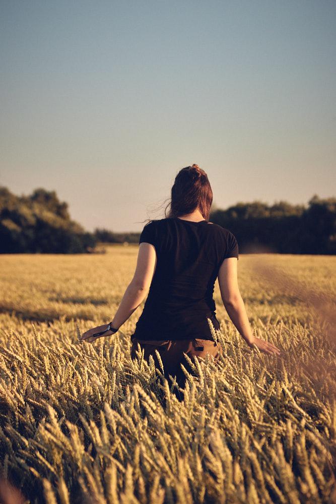 Christin in the field ©Christian Hein